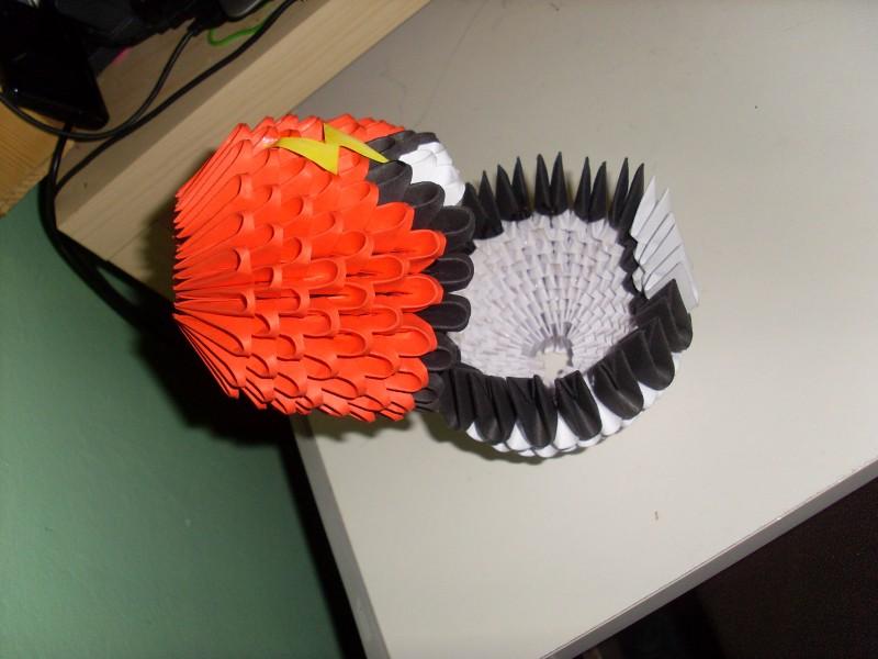 pin 3d origami pokeball on pinterest