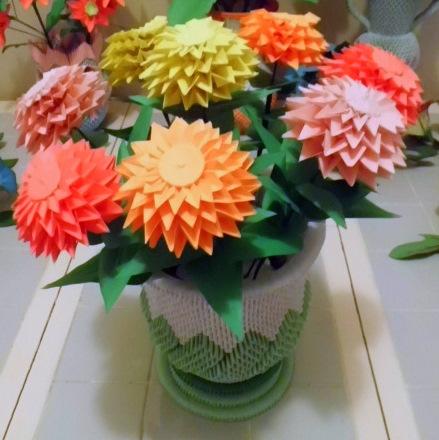 New origami zinnia flower origami flower zinnia flowers urn and vase vases origami origami 3d mightylinksfo